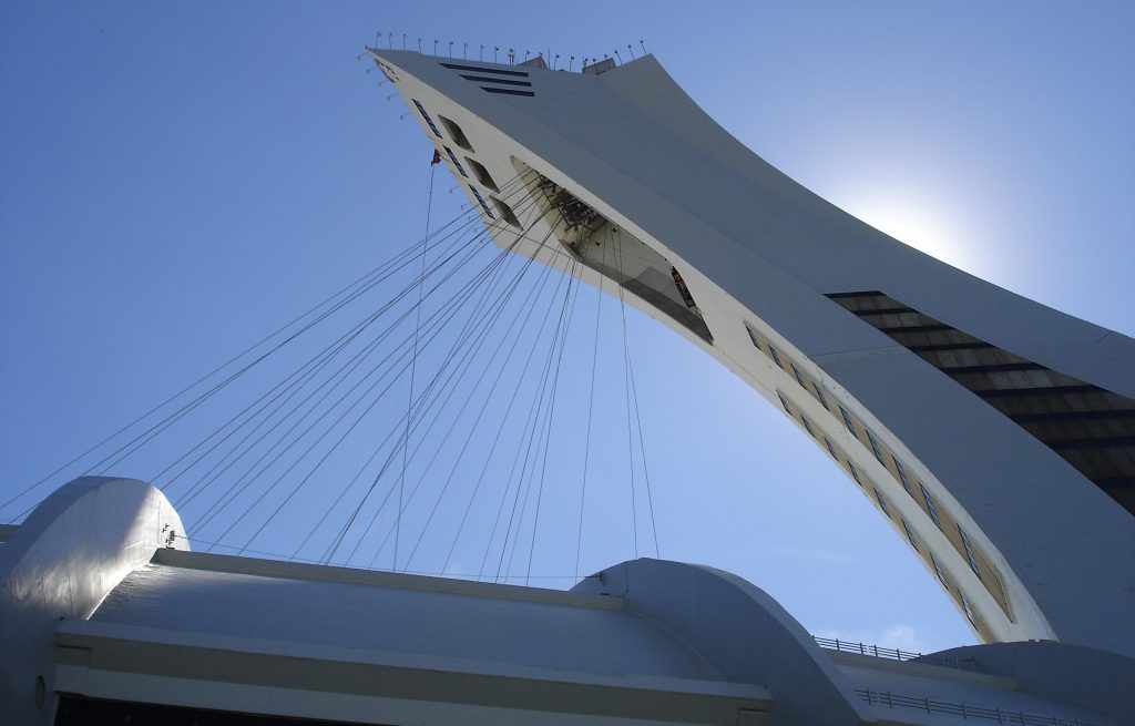 montreal_olympic_stadium_tower_with_cables_for_retractable_roof